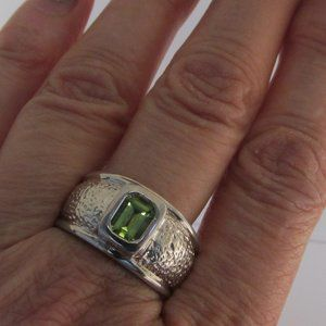 VINTAGE STERLING SILVER PERIDOT WIDE BAND